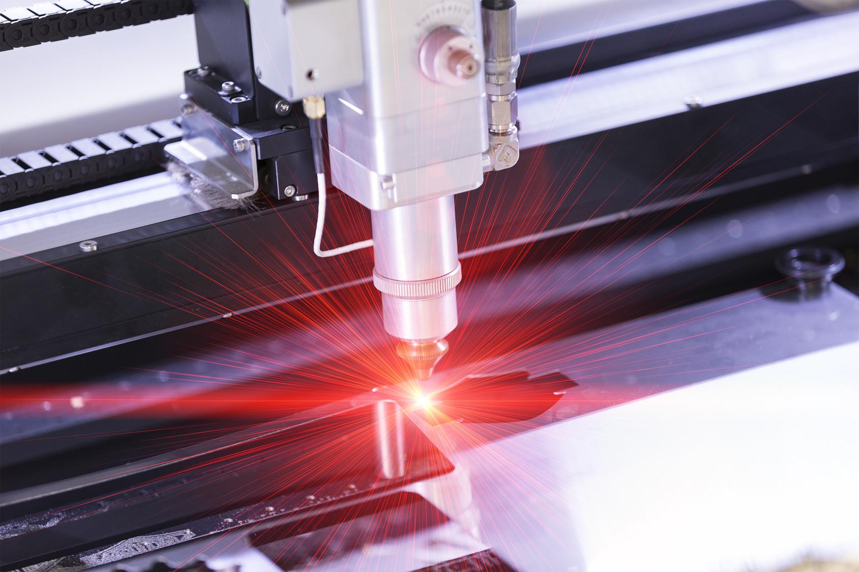 Cięcie laserem światłowodowym