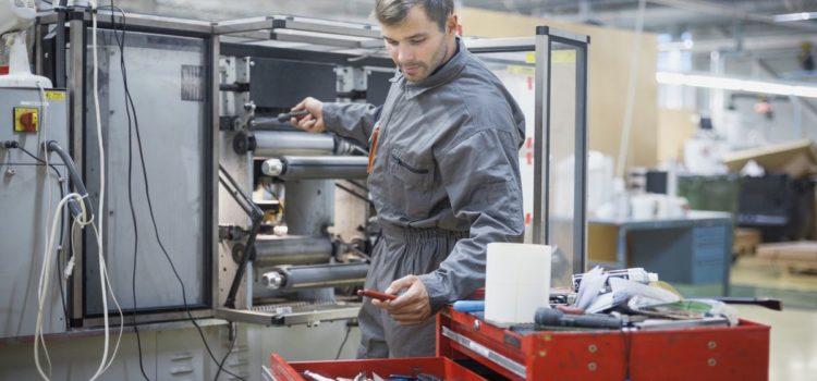 Kiedy maszyna CNC wymaga remontu?