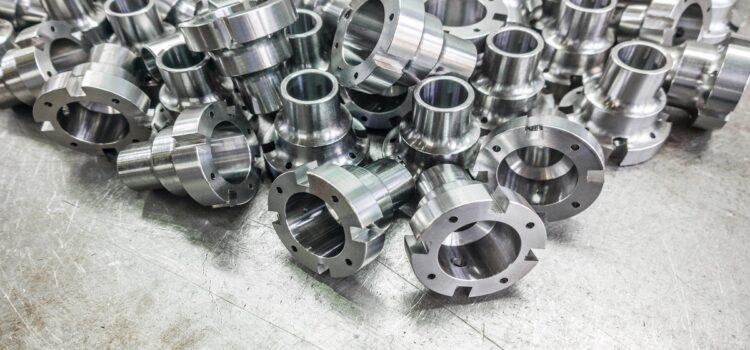 Części zamienne do maszyn CNC – lepsze oryginalne czy tańsze zamienniki?